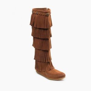 Minnetonka Moccasin 5-Layer Fringe Boots